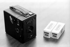 2013122510 (J E) Tags: bw film zeiss 35mm box f plus pan 12 ikon ilford xtol 542 tengor 1nrs