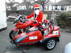 Merry Christmas Everyone (Motorbike Milo) Tags: santa christmas husky everyone merry motorbikeandsidecar