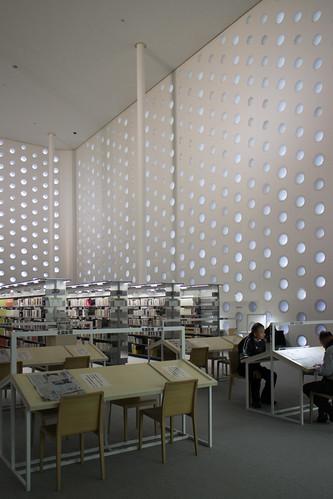 Kanazawa Umimirai Library (3).jpg