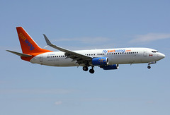 C-GOWG (JBoulin94) Tags: john airport montreal international boeing airlines yul trudeau 737800 sunwing cyul boulin cgowg