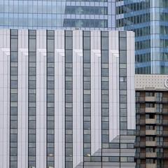 Quadrillages  - La Défense (6999) (cfalguiere) Tags: fraser hautsdeseine iledefrance novotel squares tourfirst ladéfense france geometric quartiersaisons esplanadenord seine datepub2015q308
