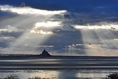 A bocca aperta (ceszij) Tags: baiedumontsaintmichel france normandie bretagne francia montsaintmichel mare mar mere sea marea baissemaree maree sunray rayosdesol riflessi reflejos