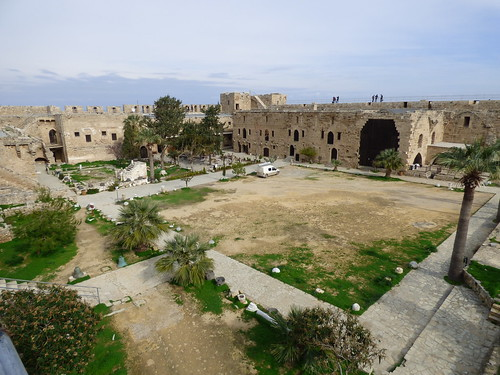Girne - castle battlement view of courtyard (3)