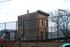 Living next to the blue line in Wicker Park, Chicago (Cragin Spring) Tags: house home wickerpark blueline building architecture northside city chicago chicagoillinois chitown chicagoil illinois il midwest windycity urban usa unitedstatesofamerica