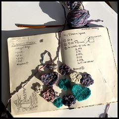 Crochet. Learning flowers and hearts.