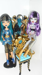 The de Nile cousins (Danidollcollector) Tags: monster set de high day vanity picture nile create mummy cleo tu mattel 2012 monstruo gorgon tocador crea 2013
