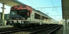 470-071M en Tarragona cundo circulaba por Catalunya... (enric436) Tags: md regional renfe 470071m reustarragonaedf