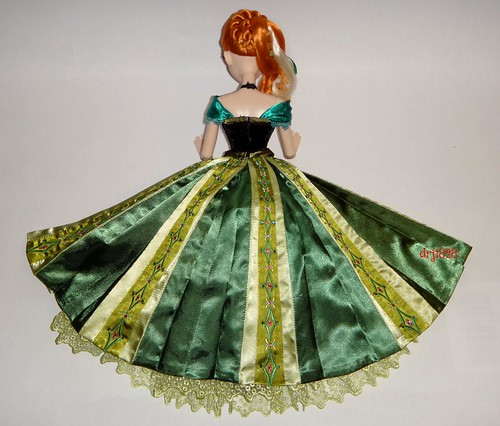 Anna Limited Edition 17'' Doll - LE 2500 - Frozen - US Disney Store Purchase - First Look - Deboxing - Freed from Doll Stand - Back of Skirt Opened - Lying Down - Full Rear View