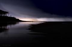 Le Petit Nice, Gironde - déc 2011 ((Virginie Le Carré)) Tags: reflet plage orage atlantique océan