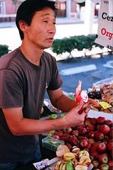 02250034-84 (jjldickinson) Tags: nikonf nikonfphotomicftn nikkor nikkors50mmf14 tiffen52mmsky1a fujicolorsuperiaxtra400 roll461n farmersmarket shopping food downtown harborareafarmersmarkets hafm hasapplefarm apple fruit californiaeagle longbeach