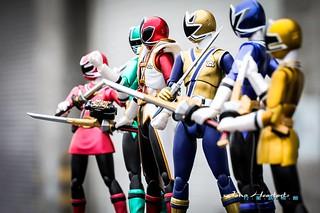【玩具人Jono Heartarts投稿】~行星試相館~SHF 侍戰隊——Power Rangers Samurai SDCC 金屬塗裝限定!