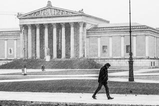 Graupelschauer auf dem Königsplatz
