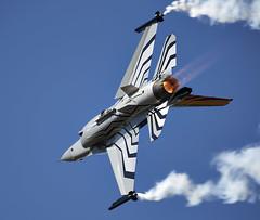 F-16 Falcon (Bernie Condon) Tags: uk tattoo plane flying fighter martin belgium display aircraft aviation military jet airshow f16 falcon belgian lm bomber lockheed warplane airfield ffd fairford riat raffairford airtattoo fightingfalcon riat15