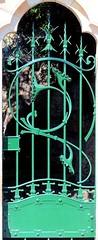 Barcelona - Manuel Arnús 039 f (Arnim Schulz) Tags: modernisme modernismo barcelona artnouveau stilefloreale jugendstil cataluña catalunya catalonia katalonien arquitectura architecture architektur building edificio gebäude bâtiment spanien spain espagne españa espanya belleepoque arte art kunst baukunst doors door türen tür portes porta puertas puerta metal metall eisen iron hierro ferro gaudí hccity liberty ornament ornamento