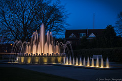 Windsor Water Fountain. (Peter Phelps Photography) Tags: water fountain night lights long blue sky