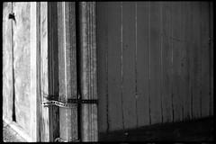 R3M-N40-UF100+Xtol-1967d (FreezerOfPhotons) Tags: cosinavoigtlanderbessar3m r3m nokton14sc rangefinder singlecoated 40mm ultrafineextreme100 ultrafine xtol freshfilm ishootfreshfilm outofbusiness closed empty abandoned brunners florida