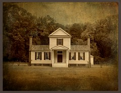 The Sally-Billy House:  Halifax Town, Halifax County, North Carolina (EdgecombePlanter) Tags: light shadow texture nc colonial historic dag federal textured historicpreservation tripartite