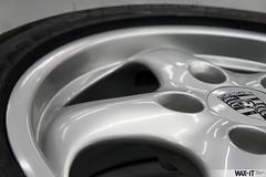 964targa-14 (Wax-it.be) Tags: roof detail reflection green shine convertible porsche gloss cabrio waxing perfection speedster targa detailing 964 swissvax waxit