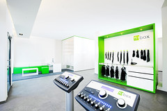 EMS Fitnessstudio Trainingsbereich (fitbox GmbH) Tags: berlin training personal fitness ems mitte strom trainer fitnessstudio fitbox muskelstimulation