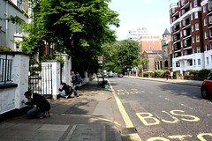 Nos muros do Abbey Road Studio (Nina Farias) Tags: london londres beatles abbeyroad