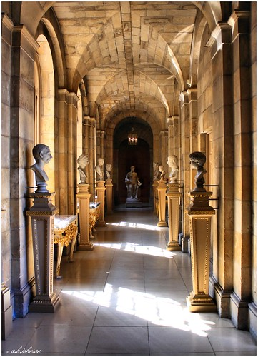 CASTLE HOWARD CORRIDOR