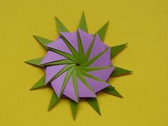 """Another 12-Point Star"" -Variation                 Star"" by Hans-Werner GUTH and Variation (esli24) Tags: origami origamistar hanswernerguth esli24 ilsez origamiestrella another12pointstarbyhanswernerguth papierfaltenorigamistern"