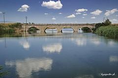 Asmaki (kzappaster) Tags: bridge reflection river samsung greece 1855mm reflexions larissa ifn stonebridge nx thessaly mirrorless samsungnx nx300 asmaki compactsystemcamera 1855mmf3556ois samsungnx300