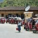 Fila di mototaxi parcheggiati in Cunén