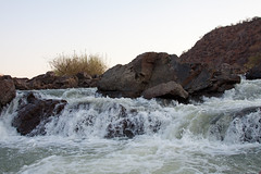 Kunene rivier (Roelie Wilms) Tags: rapids namibia namibi kunenerivier elementsorganizer