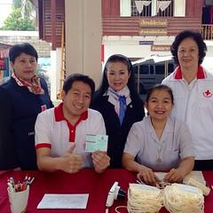 """3/12/56 : ออกรับบริจาคโลหิต ถวายเป็นพระราชกุศล ณ โรงเรียนดำรงราษฏร์สงเคราะห์ ครับ ^^ สภากาชาดไทย """"ร่วมใจสร้างสุขเพื่อปวงชน"""" #redcross #redcrosssociety #redcrosschiangrai #chiangrai #cei #thailand"""