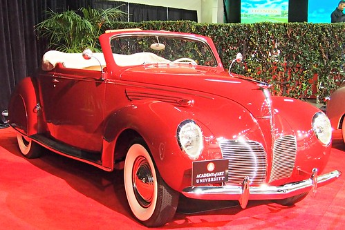 1938 Lincoln Zephyr Convertible 3