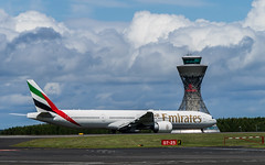 Boeing 777 300 ER : Emirates : Newcastle Intl Airport : EGNT : UK (Benjamin Ballande) Tags: uk newcastle airport er emirates boeing 300 777 intl egnt