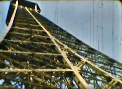 Film Reisen Paris04 Eiffelturm (rerednaw_at) Tags: schmalfilmnormalacht vergangenheit reisen paris eiffelturm