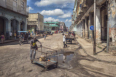 La Habana 2016 (CARLORICCI) Tags: viñales valleviñales pinardelrío cienfuegos arcipelagodeicaraibi playaancon penisoladiancón unesco patrimoniodellumanitàdallunesco sanctispíritus caraibi cuba trinidad ciudaddelahabana lahabana lavana havana malecon carlo carloricci nikon nikond810 riccarlo nikkor oןɹɐɔcarlo ©copyright carl㋡ cohiba rum ron santiagodecuba havanaclub cayoblanco cayolargo cayolevisa cigar labodeguitadelmedio elfloridita hemingway lahabanavieja
