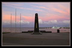 Redcliffe Service Memorial at Dusk-4= (Sheba_Also) Tags: memorial dusk service redcliffe