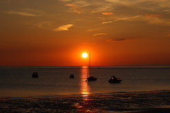 Atlantic Sunset from North Devon 09-06-13 (James Lennie) Tags: uk sunset sea sky sun seascape beach skyline clouds canon boats photography yacht shoreline estuary devon shore redsky dslr settingsun redsunset northdevon instow atlanticcoast canon600d canonf4l70200zoomlens