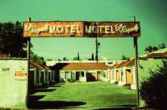 Petri PX5F El Royale Motel 1 (▓▓▒▒░░) Tags: california camera classic film colors goofy japan 35mm vintage hongkong design la losangeles retro plastic 80s 1980 autoexposure