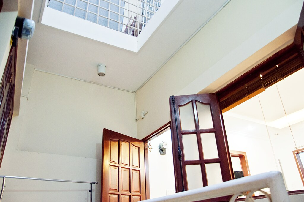 Room Mate Renting House