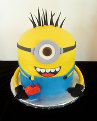 Minion Cake by Yvonne, Twin Cities, MN, www.birthdaycakes4free.com