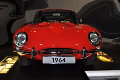 Jaguar E-Type 3.8 Six (1964) Series 1 (Transaxle (alias Toprope)) Tags: beauty power soul jaguar s1 six wolfsburg autostadt 38 1964 toprope etype marki series1 mark1 mk1 mki 6cylinders sixcylinders