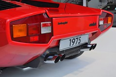 Lamborghini Countach LP400 (1975) (Transaxle (alias Toprope)) Tags: sports car museum spectacular design engine machine super racing legendary sharp most lp radical marcello lamborghini 1973 wolfsburg futuristic autostadt weber styling countach gandini edges lambo proportions bertone topspeed 300club dohc midengined scissordoors club300 marcellogandini twelvecylinder 45dcoe longitudinaleposteriore overheadcamshafts 315kmh