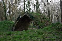Chambourg-sur-Indre (Indre-et-Loire). (sybarite48) Tags: bridge france ponte most pont brug ark brcke kpr arche arca  indreetloire arka   sandk    puante   chambourgsurindre