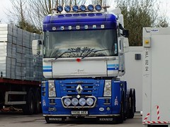 YX06 AEE Newport 23-03-14 (panmanstan) Tags: truck wagon yorkshire transport renault lorry commercial newport vehicle magnum