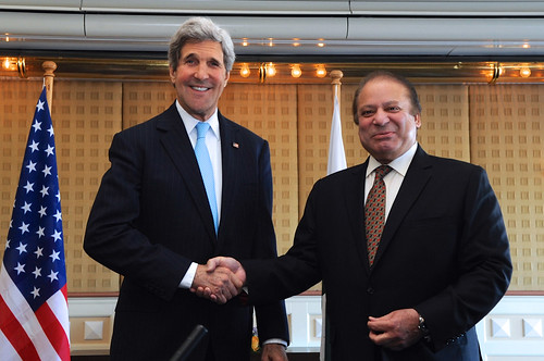 From flickr.com: John Kerry Pakistan Prime Minister Sharif {MID-146640}