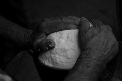 Emilio (peppe.concas1) Tags: sardegna nikon italia sardinia mani bn latte inverno bianco nero nazione emilio sagra bianchi formaggio peppe feste sardo tipico sardi pecora alleva sagre d40 distanza gergei concas paesane peppeconcas sardiniafarm wwwsardiniafarmcom