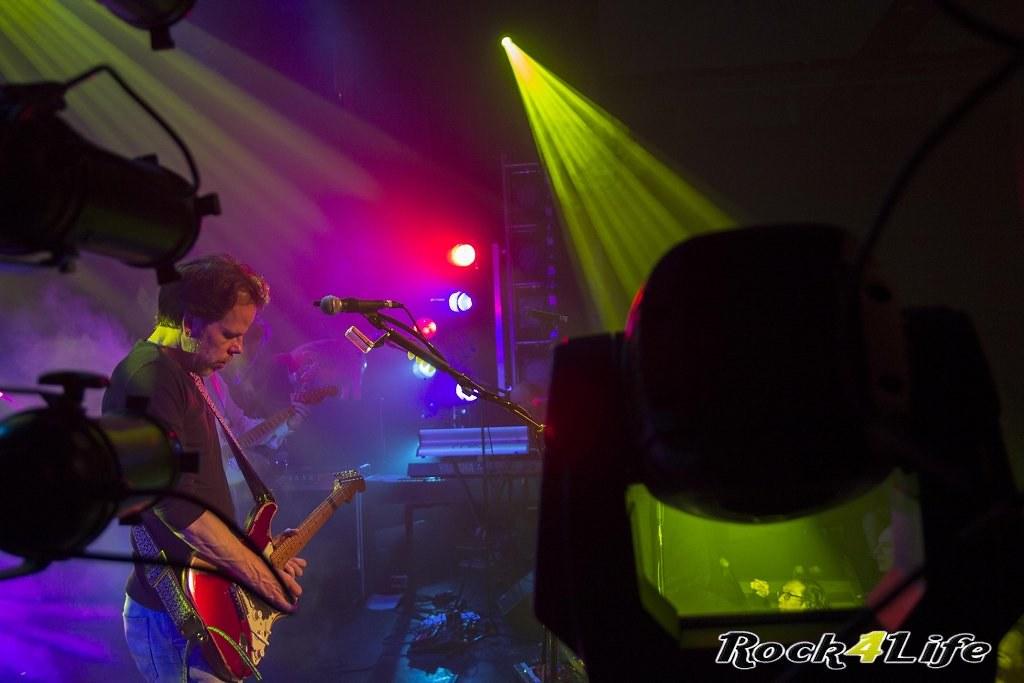 Infloyd 12-04-2012 W.K (25)