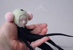 Little sleeper on my hand... (Shirrstone Shelter dolls) Tags: art ball doll bjd shelter porcelain jointed shirrstone sssdolls