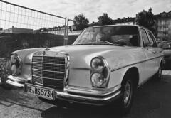 Alter Benz (Turikan) Tags: stand minolta 28mm tokina dev mercedesbenz 100 rodinal apx rmc x700 280se agfaphoto
