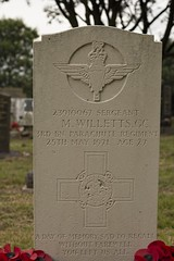 Blidworth Church Graveyard Sgt. Willetts GC Headstone (Benedictine1) Tags: cemetery memorial cross military aap sacredspace year2015