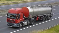 YJ08 AUP (panmanstan) Tags: truck wagon motorway yorkshire transport lorry commercial vehicle freight cf tanker sandholme bulk m62 daf haulage hgv